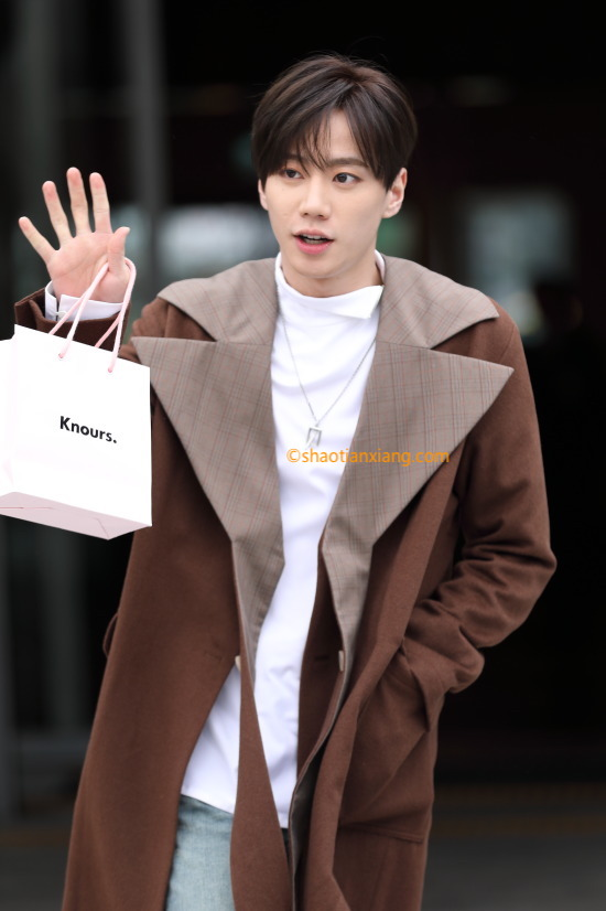 2019F/W 首尔时装周、U-KISS、Jun