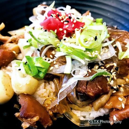 韩国美食、鸡肉盖饭