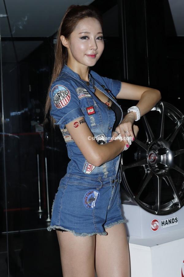 韩国车模、恩斌