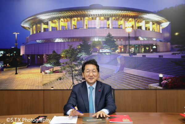 首尔艺术殿堂、柳寅泽、飘在思密达