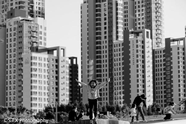 佳能5D4首尔街头黑白摄影作品