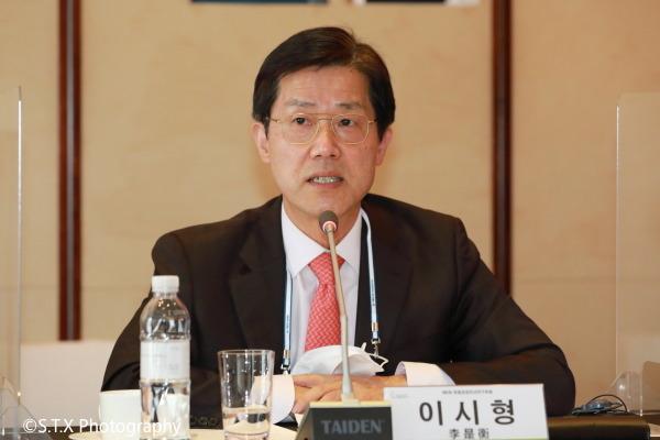 韩国驻经合组织代表处前任特命全权大使、李是衡