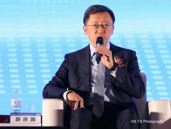 青岛市委常委、市政府党组副书记、副市长薛庆国