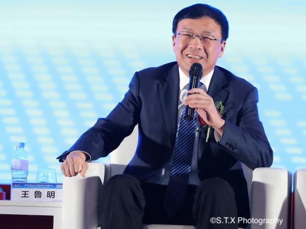青岛市委副书记、市人大常委会主任、党组书记王鲁明