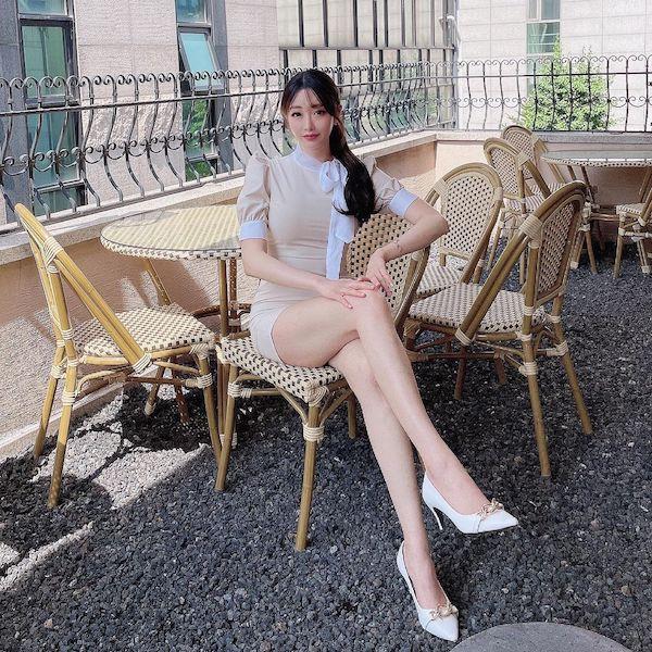 韩国魔鬼身材美女模特