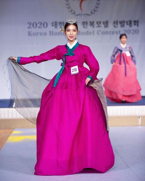 韩国魔鬼身材美女网红