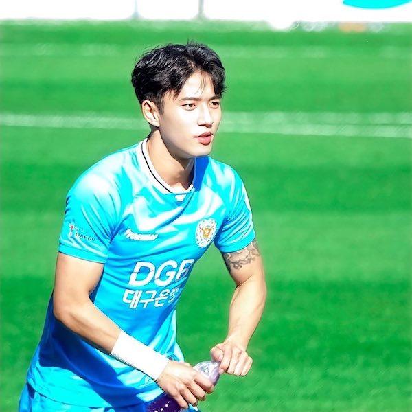 郑承原、Jeong Seung-won、足坛小鲜肉