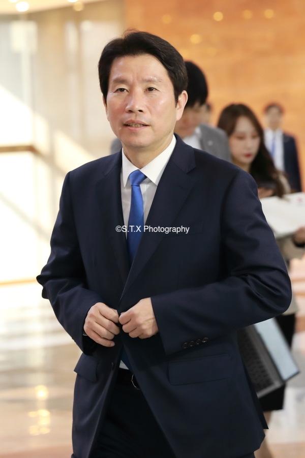 韩国统一部长官李仁荣