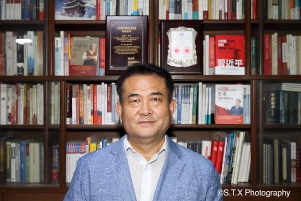 韩国耕智出版社社长金胜一